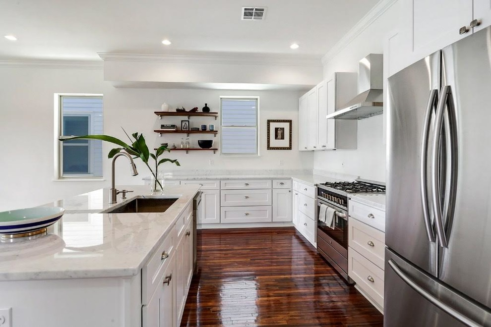 D2 White Shaker Contemporary Kitchen New Orleans By Dl Cabinetry Dl Space Inc New Orleans