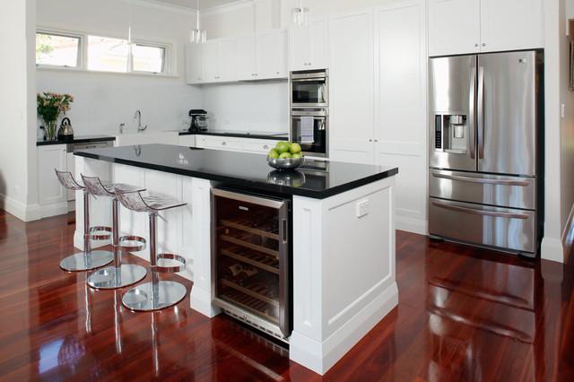 Daglish modern kitchen perth by centurion cabinets for Kitchen renovations centurion
