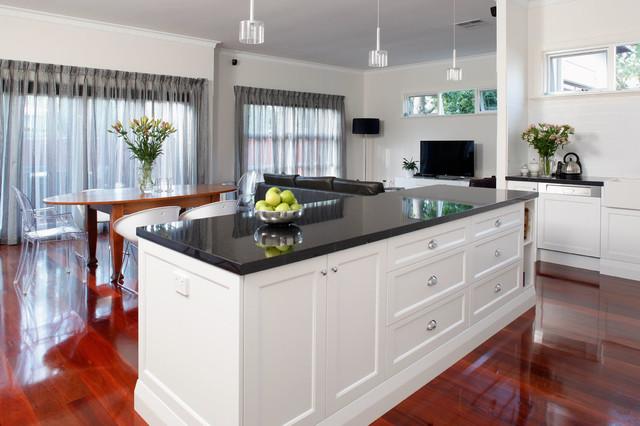 Daglish modern kitchen perth by centurion cabinets for Kitchen designs centurion