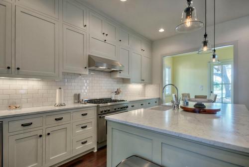 Backsplash Color Selection Looks Best White Granite
