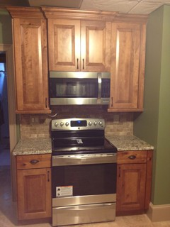 Dakota Rustic Maple From KraftMaid in Praline Finish - Traditional - Kitchen - atlanta - by ...