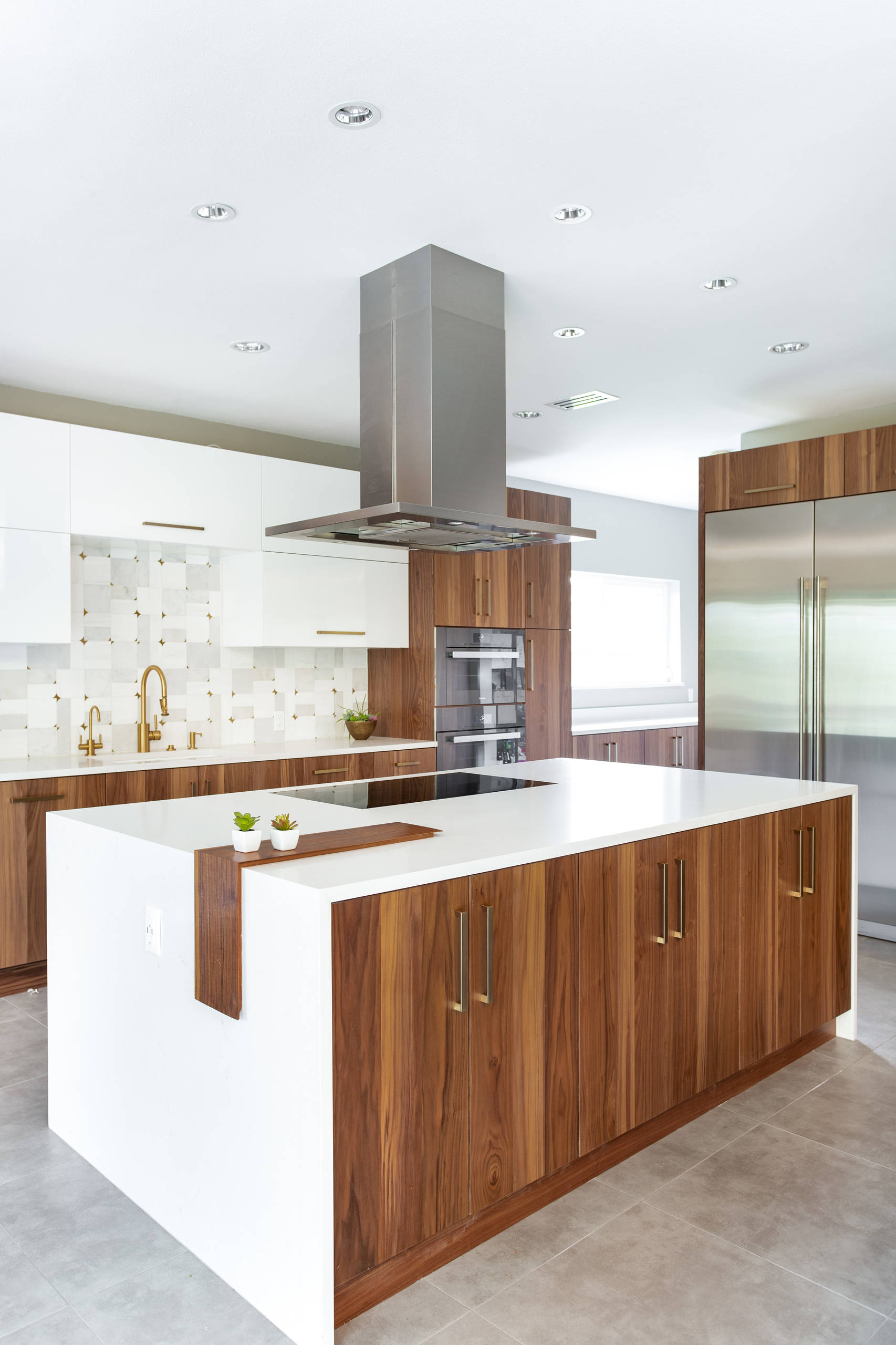11 Beautiful L-Shaped Kitchen Pictures & Ideas - January, 11  Houzz