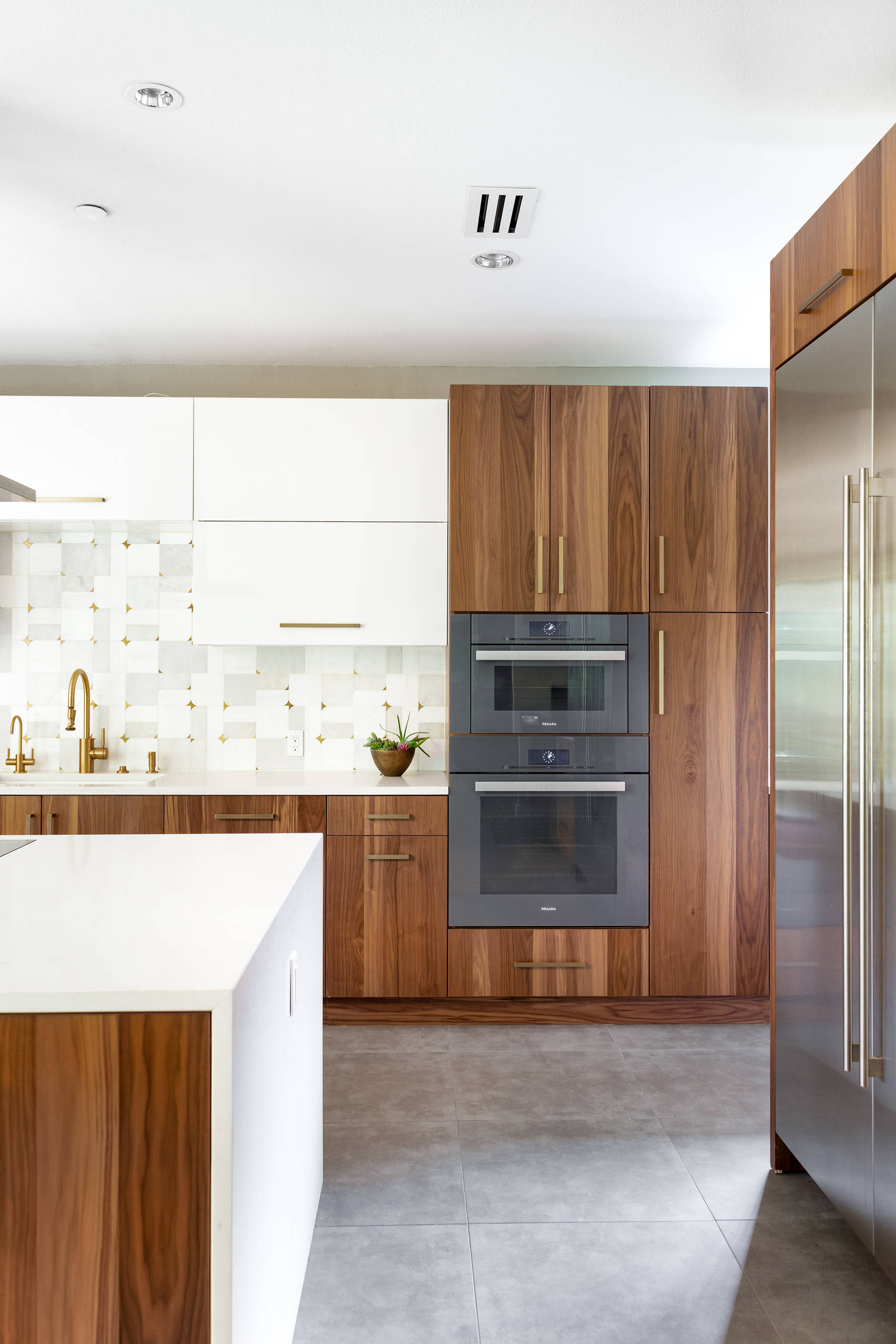 11 Beautiful Huge Kitchen Pictures & Ideas - January, 11  Houzz