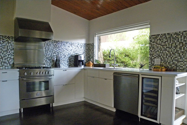 modern kitchen by Sarah Greenman
