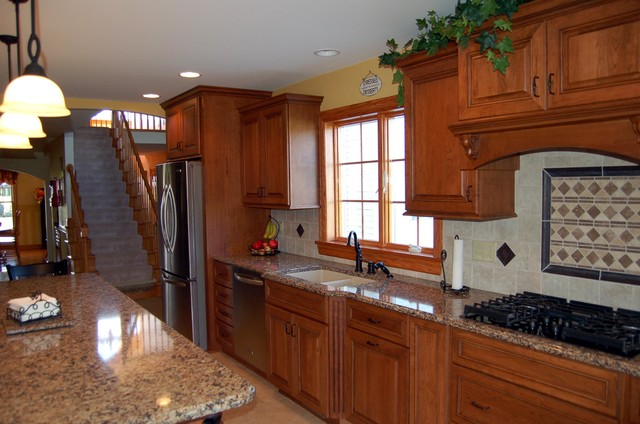 Daniels Rd traditional-kitchen