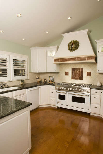 Danville Painted Kitchen Traditional Kitchen San Francisco By Diablo Valley Cabinetry