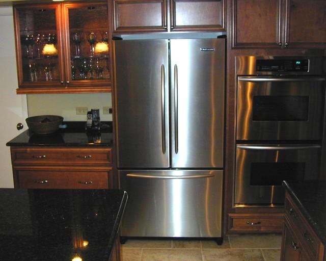 Darien Kitchen 1 Traditional Kitchen Chicago By Express Kitchen Bath
