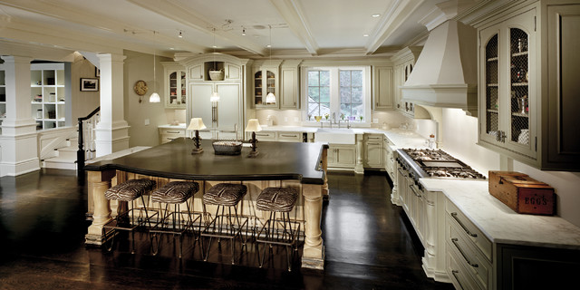Darien Residence Traditional Kitchen New York By Robert A Cardello Architects