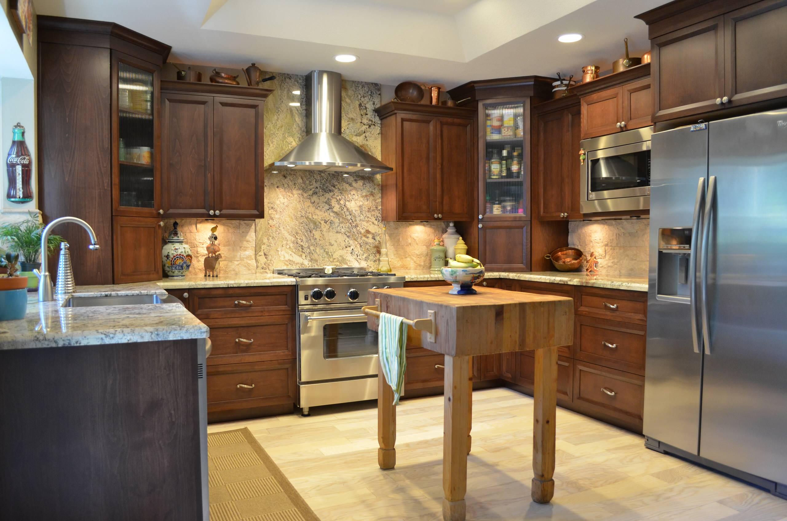 Dark Alder Kitchen - Rancho Cordova