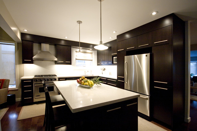 Dark brown kitchen modern kitchen toronto by hot interior designs ltd - Modern kitchen ideas with brown kitchen cabinets ...