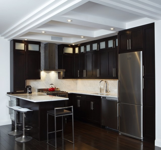 Dark Beige Kitchen Cabinets: Dark Cherry Cabinets And White Carrara Counter Top