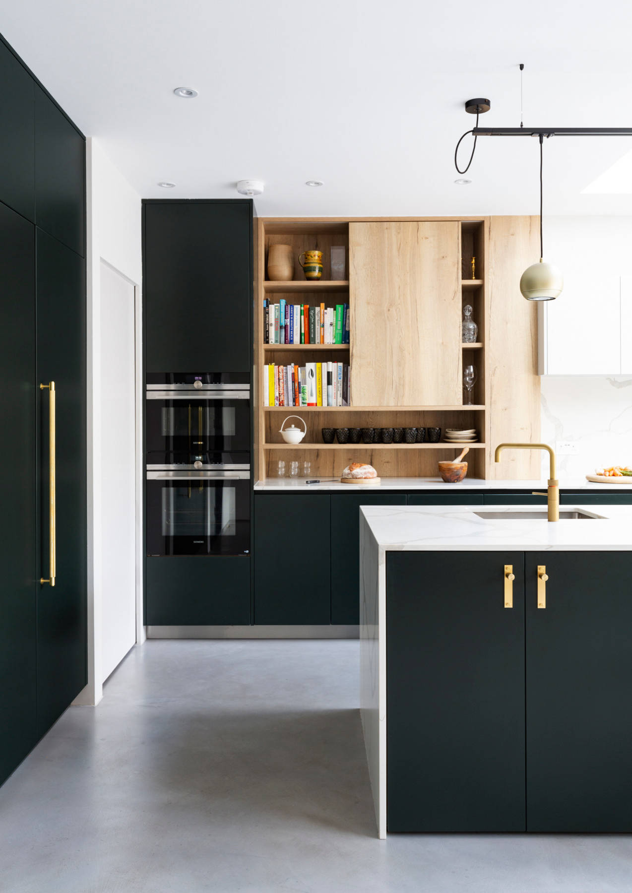 75 Beautiful Kitchen With Green Cabinets And Marble Countertops Pictures Ideas December 2020 Houzz
