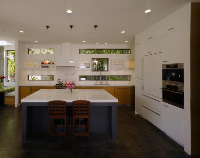 De La Costa modern-kitchen