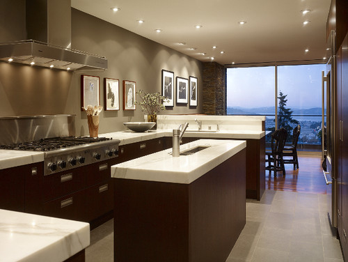 What 39 s the color of the kitchen walls kitchen is gorgeous for Modern kitchen wall colors
