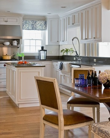 Dean Road Residence traditional-kitchen