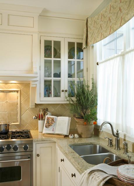 Deborah Leamann traditional-kitchen