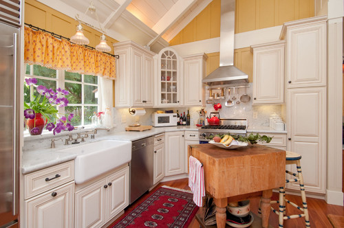 Debra Campbell Design traditional kitchen