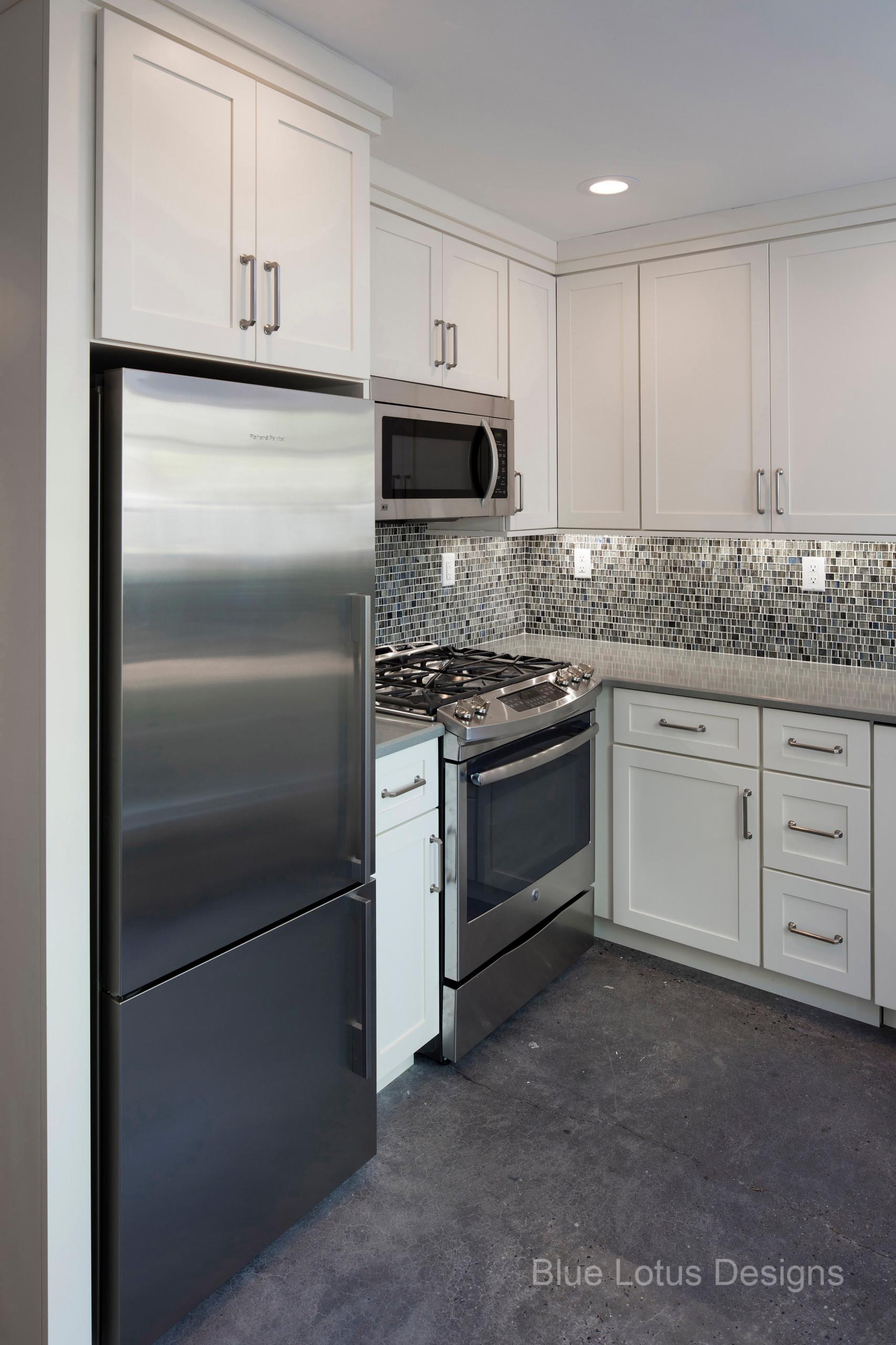 Dec Contemporary Kitchen