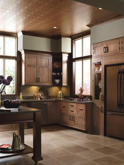 Decorá Cabinetry: Rivington Inset Cherry Coriander Espresso & Alder Bombay traditional kitchen