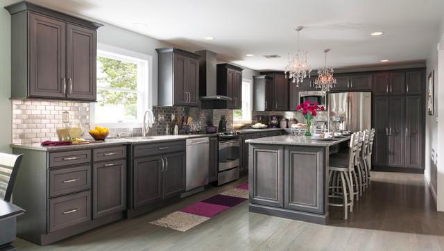 Decorá Cabinets: Warm Gray Kitchen on warm color kitchen cabinets, warm wood kitchen cabinets, warm white kitchen cabinets, warm colored interior design, warm stone kitchen cabinets, warm brown kitchen cabinets, warm gray kitchen cabinets,
