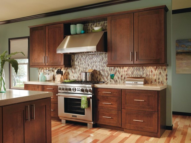 Decora Kitchen Cabinets - Traditional - Kitchen - other metro - by MasterBrand Cabinets, Inc.