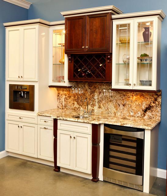 Decora Showroom Displays Traditional Kitchen