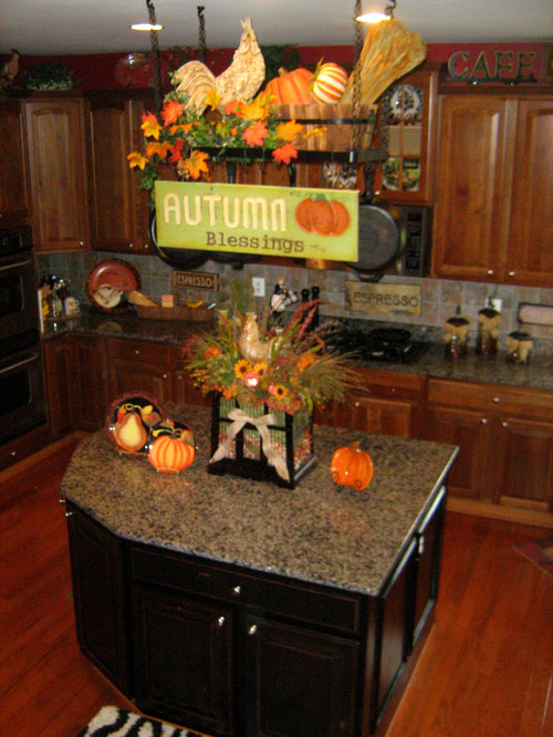 Ideas For Kitchen Table Centerpieces Traditional Kitchen Decorate