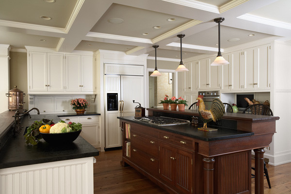 Deephaven Revival traditional-kitchen