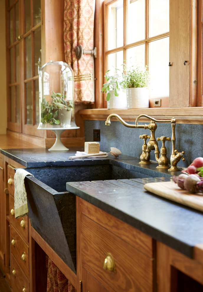 Inspiration for a victorian kitchen remodel in New York