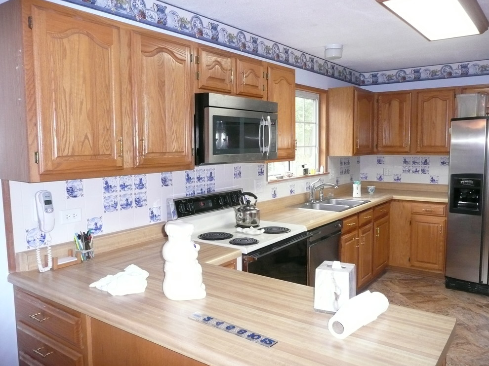 Delft Blue Kitchen Back Splash Blue And White Ceramic Tile Traditional Kitchen Sacramento By Mottles Murals Ceramic Tiles Houzz
