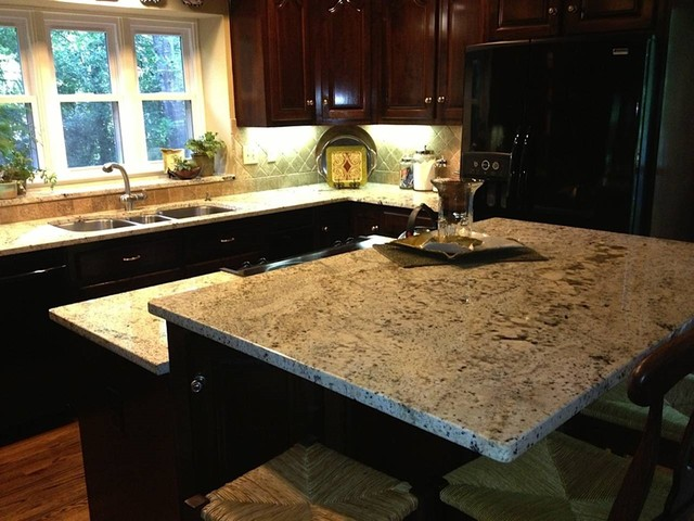 Delicatus White Granite Traditional Kitchen