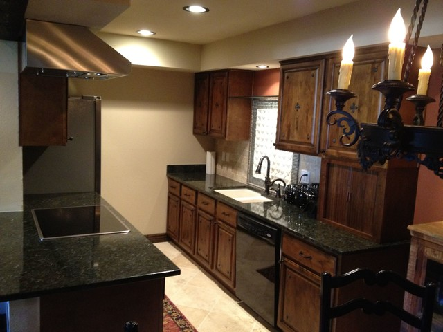 DeLorenzo Residence traditional-kitchen