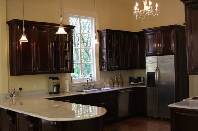 Delta Cabinets of New Orleans Custom Kitchens traditional-kitchen