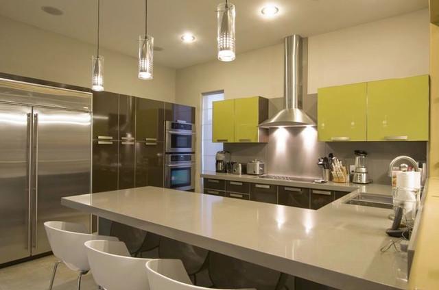DeLuna House modern-kitchen
