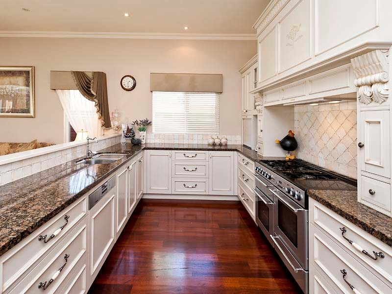 Deluxe character home - Farmhouse - Kitchen - Perth - by ...