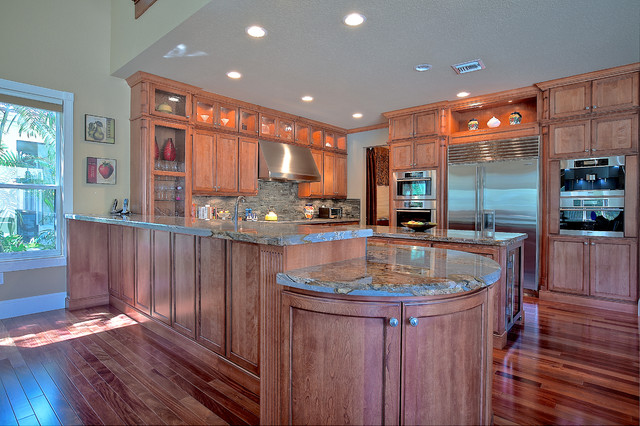 Deluxe Modern Kitchens traditional-kitchen