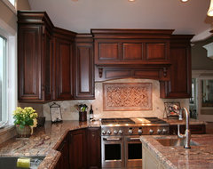DeMiguel traditional kitchen
