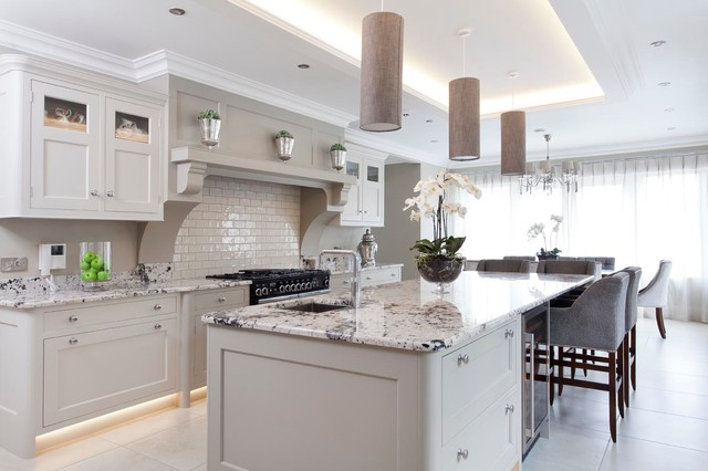 Derry l 39 derry traditional kitchen northern ireland for Kitchen ideas dublin