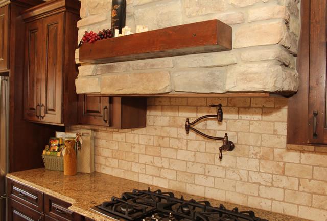 Des Moines Iowa Traditional Kitchen Cedar Rapids By Bella Homes