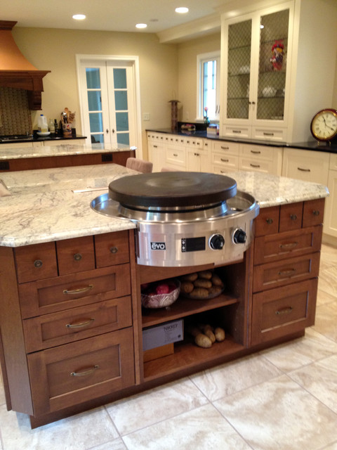 Designed by auer kitchens traditional kitchen for Kitchen 452 cincinnati