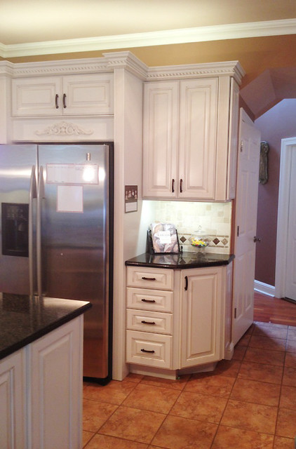 Diamond Cabinets - Henderson in Toasted Almond Kitchen