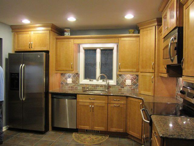 Diamond Maple Shaker Cabinets - Traditional - Kitchen ...