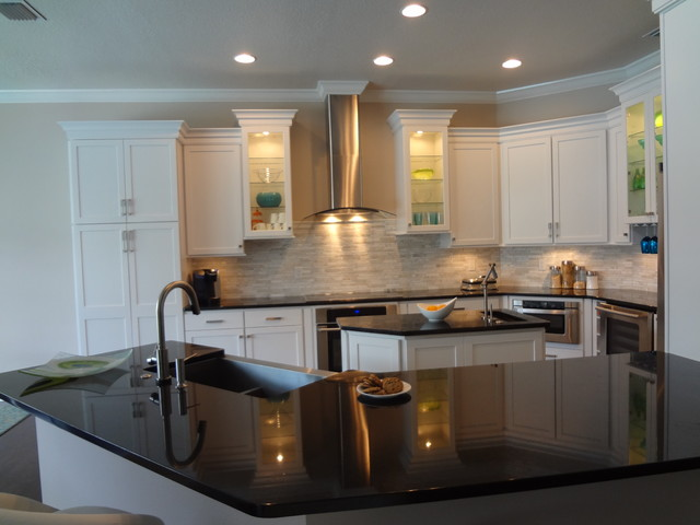 Diamond Prelude Cabinetry Traditional Kitchen
