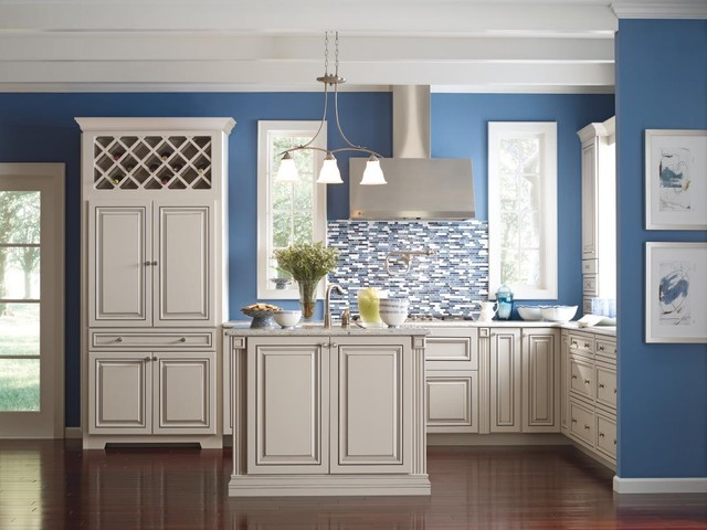 Diamond Vibe Cabinetry Valero Maple Limestone With Brown Sugar Glaze Traditional Kitchen