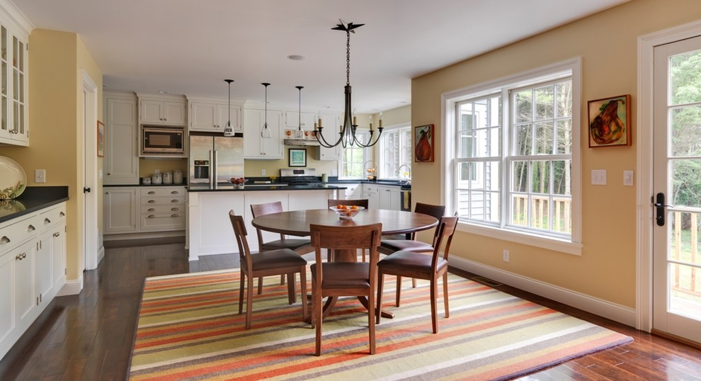 Inspiration for a contemporary kitchen remodel in Burlington