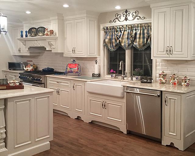 Direct Depot | White Traditional Decorative Custom Kitchen ...