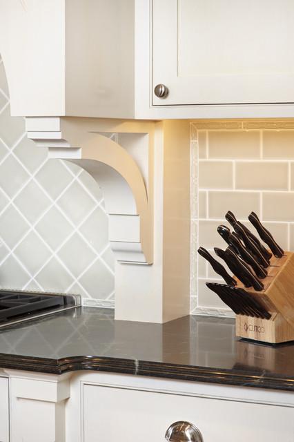 Distinctly English traditional-kitchen