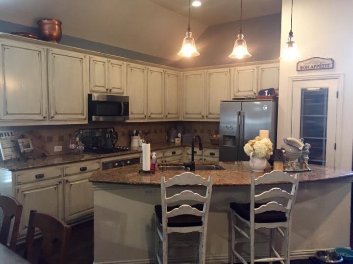 Distressed Kitchen Cabinets - Farmhouse - Kitchen - Dallas ...