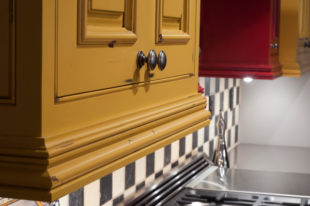 Http Www Houzz Com Photos 6806188 Distressed Rustic Light Rail Mustard Yellow Cabinets Rustic Kitchen Other Metro