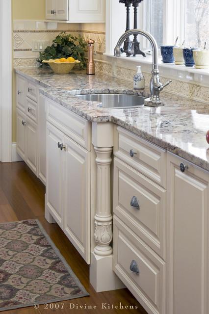Divine Kitchens LLC traditional kitchen
